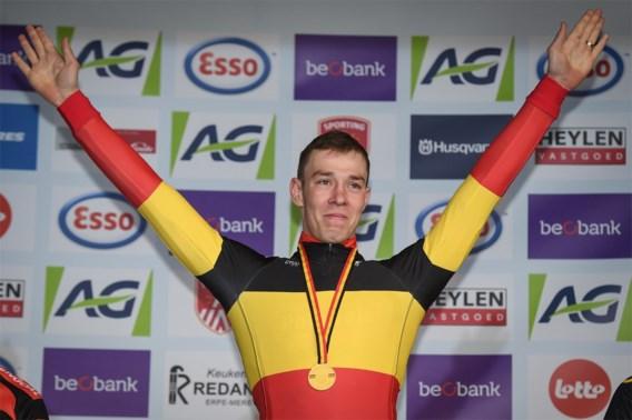 Laurens Sweeck in tranen na Belgische titel: 'Deze was voor mijn grootvader'
