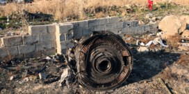 Nieuwe video toont twee raketten die Oekraïens vliegtuig raken
