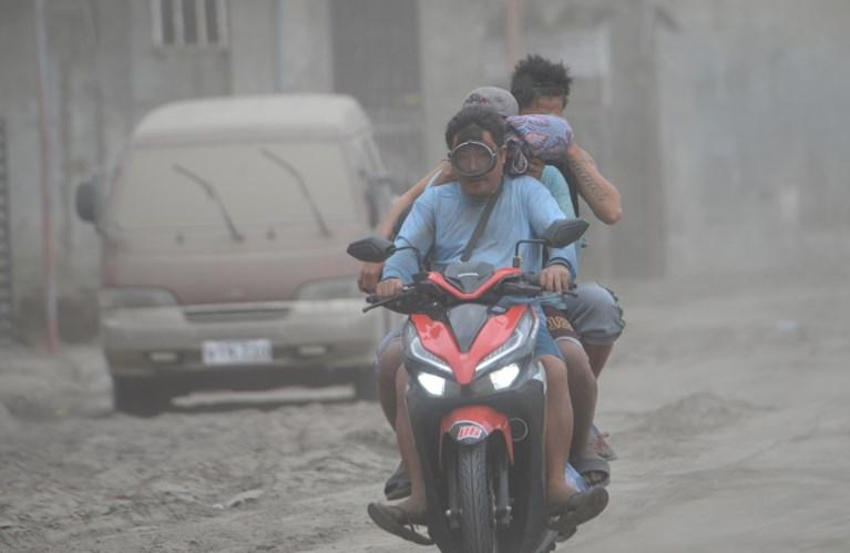 Meer dan 50.000 mensen op de vlucht voor vulkaanuitbarsting op de Filipijnen
