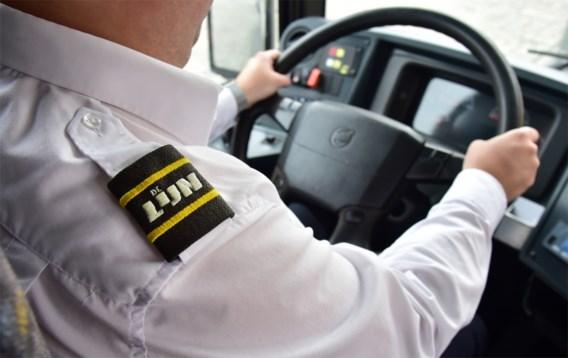 Zeventienjarige opgepakt voor aanval op buschauffeur die tien messteken kreeg