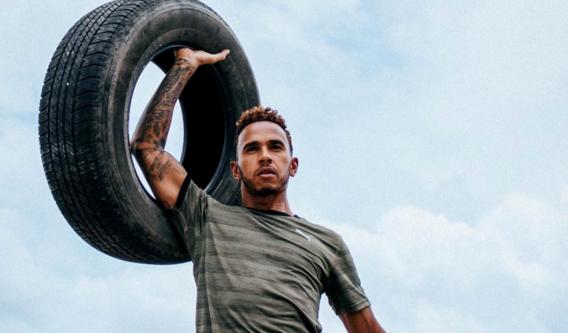 F1-kampioen Lewis Hamilton waarschuwt concurrenten: