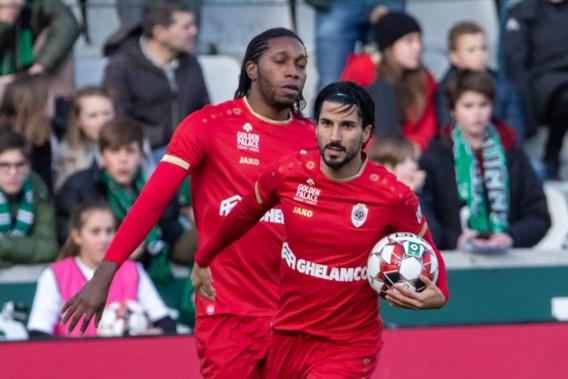 Antwerp verslaat Cercle ondanks vroege strafschop tegen en rode kaart