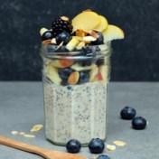 Overnight oats met kaneel, appel en bessen