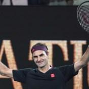 Regen verstoort Australian Open, Federer en Serena stoten makkelijk door