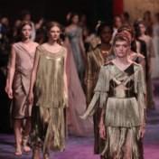 Elke vrouw is een Griekse godin op de catwalk van Dior