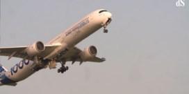 Airbus stijgt voor het eerst alleen op, piloten in spanning