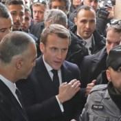 Macron erg boos op agent die Franse kerk binnengaat