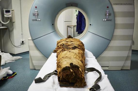 Wetenschappers enthousiast om laatste zucht van mummie