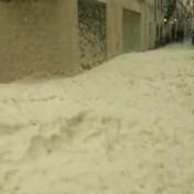 Zeeschuim neemt Spaanse stad in na doortocht storm Gloria