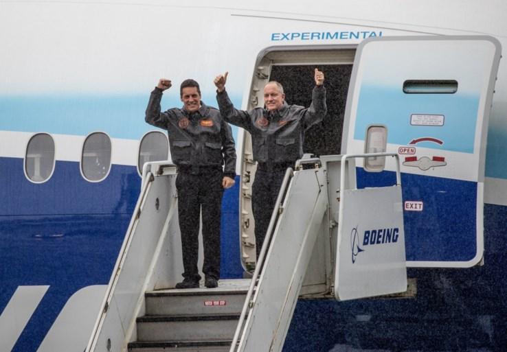 Boeing rondt testvlucht met grootste tweemotorig vliegtuig ooit succesvol af