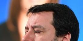 Salvini bijt de tanden stuk op de Sardienen