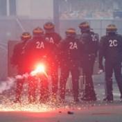 Brandweermannen raken slaags met agenten tijdens betoging