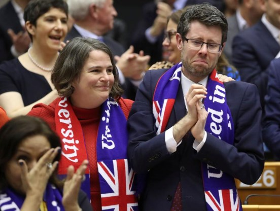 Europees Parlement keurt met grote meerderheid Brexitakkoord goed