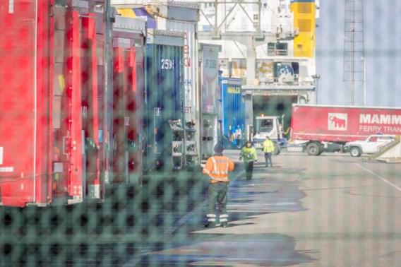 Koelwagen met 23 migranten onderschept in Zeebrugge