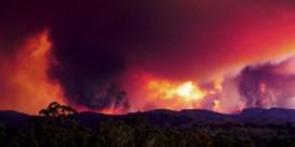 Timelapse toont hoe bosbranden Australische hoofdstad bedreigen