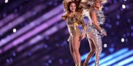 Shakira verwijst met tong tijdens Super Bowl naar Libanese roots