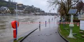 Zware regenval in Namen: Maas en Semois treden buiten oevers