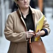 Bankdiensten tot een derde duurder, Minister Muylle is boos