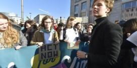 Klimaatspijbelaars voeren actie in Brussel na waarschuwing Ben Weyts