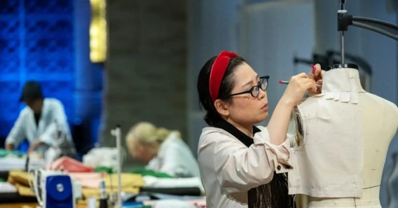 Oud-student Antwerpse Modeacademie wint Netflix-show 'Next in fashion'