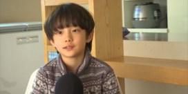 Tienjarige acteur uit 'Parasite' gelooft eigen ogen niet als hij vanuit zetel naar Oscars kijkt