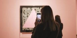 Waarom mag je kunst soms wel en soms niet fotograferen op een expo?