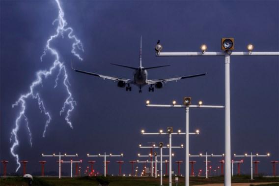 Hoe gevaarlijk is vliegen bij een storm?