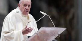 Paus Franciscus houdt strikt vast aan celibaat