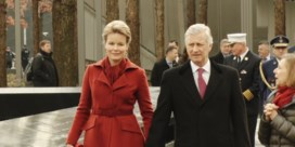 Koningspaar spreekt aan 'Ground Zero' met agenten die op 22 maart gewond raakten