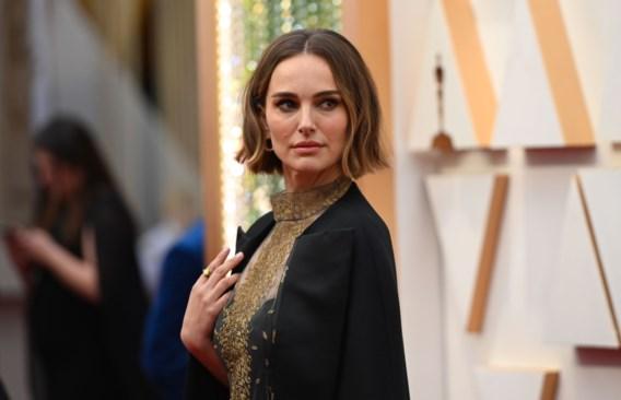 Natalie Portman over kritiek op Oscars-cape: 'Ik zal blijven proberen'
