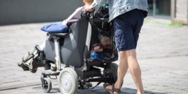 'Probeer ouderen zo lang mogelijk aan het stuur te laten'