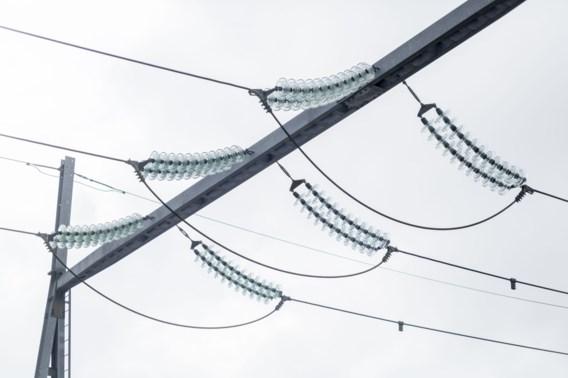 Duizenden gezinnen urenlang zonder stroom in West-Vlaanderen, problemen opgelost