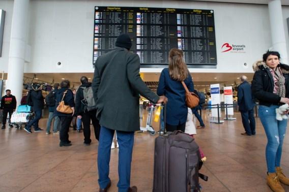 Acties gepland bij luchthavenpolitie tijdens vakantie-uittocht