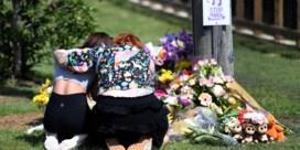 Kinderen en vrouw omgebracht in brandende auto, ex-man steekt zichzelf neer