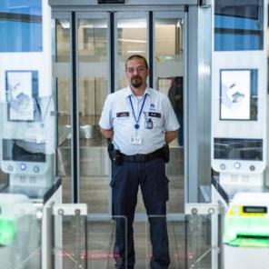 Wachttijden 'veel langer' op luchthaven vrijdag, 'kom drie uur vroeger'
