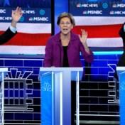 Bloomberg gevierendeeld, Sanders lacht in zijn vuistje