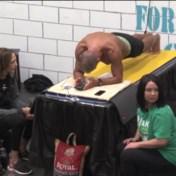 62-jarige ex-militair breekt wereldrecord planking