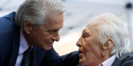 Kirk Douglas schenkt fortuin aan goede doel, zoon Michael krijgt niets