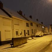 (Smeltende) sneeuw zorgt voor gladde wegen: 'Pas je rijgedrag aan'