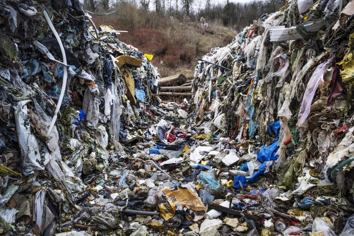 Vlaams onderzoek naar dumpen afval in Noord-Frankrijk - De Standaard Mobile