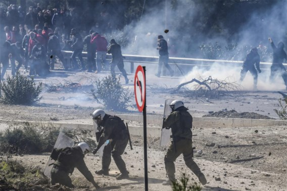 Griekse eilandbewoners blijven staken tegen nieuwe migratiecentra