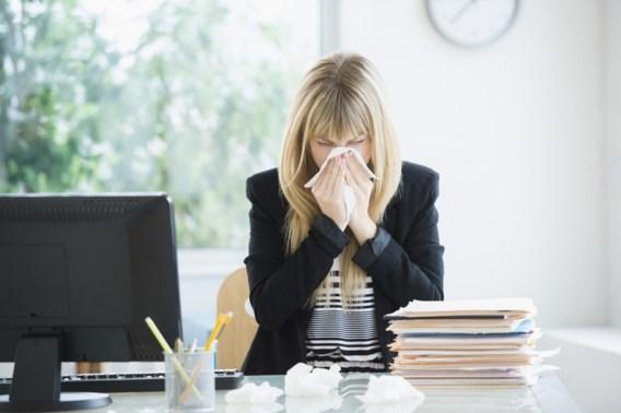 WHO adviseert bedrijven over nieuwe coronavirus: 'Desinfecteer bureaus en laat thuiswerk toe'