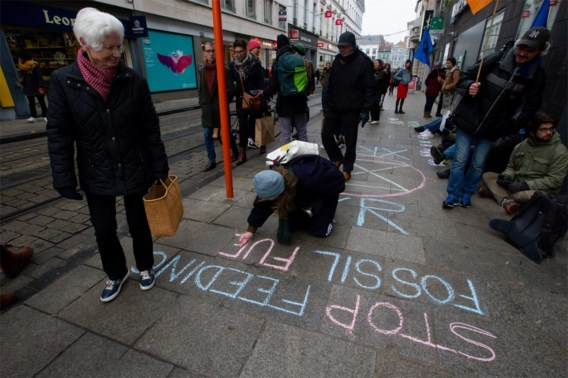 Extinction Rebellion Gent gaat opnieuw achter banken aan