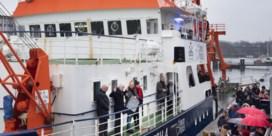 Duitsers kopen zelf reddingsboot voor vluchtelingen: 'Wij hebben nog plaats!'