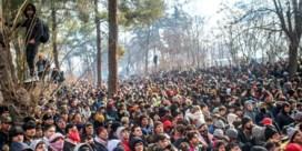 VN: 'Minstens 13.000 migranten aan Grieks-Turkse grens'