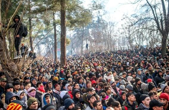 Griekenland aanvaardt tijdelijk geen asielaanvragen, opnieuw rellen aan Turkse grens