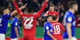 Bayern München kegelt Schalke 04 en Benito Raman uit Duitse beker