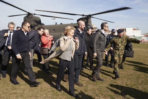 Von der Leyen aan Grieks-Turkse grens: 'Zij die Europese eenheid willen testen, zullen ontgoocheld zijn'