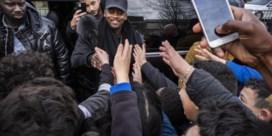 'Prince de la rime' pakt pesters aan en steelt Brusselse harten