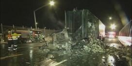 Truck met toiletpapier brandt uit, tot afgrijzen van Australiërs